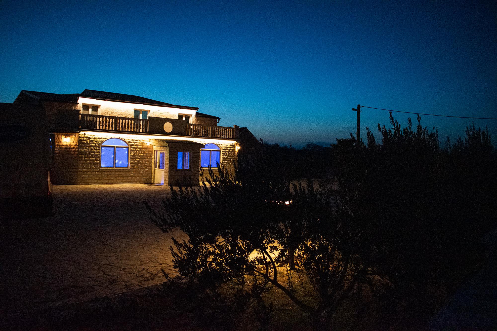 AP Villa Pristeg - Front by night