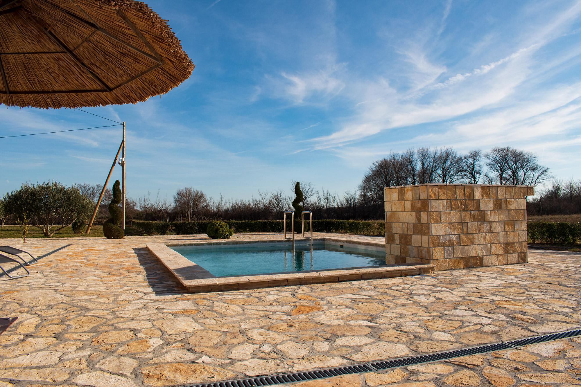 AP Villa Pristeg - Pool area
