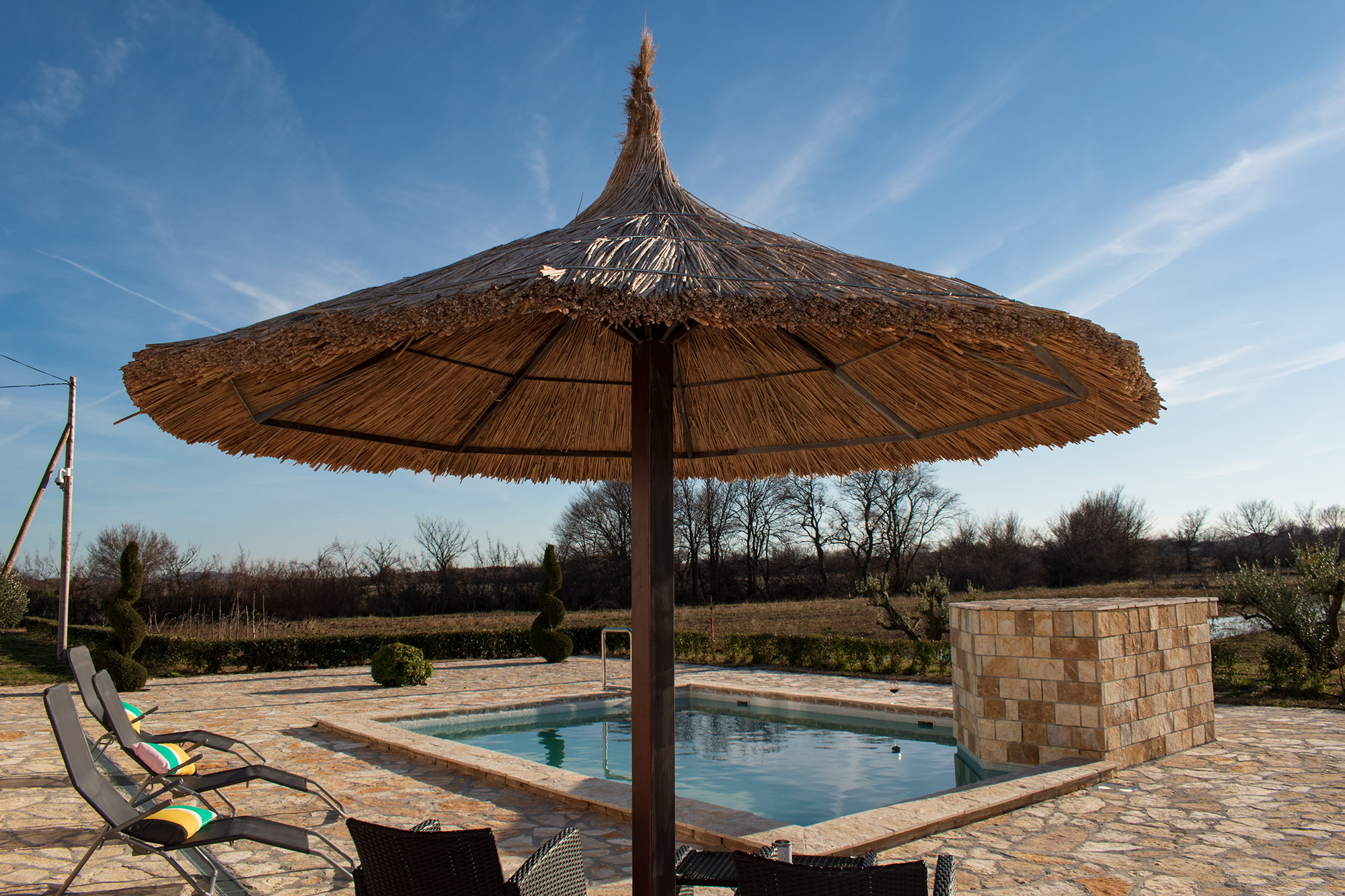 AP Villa Pristeg - Pool and parasol